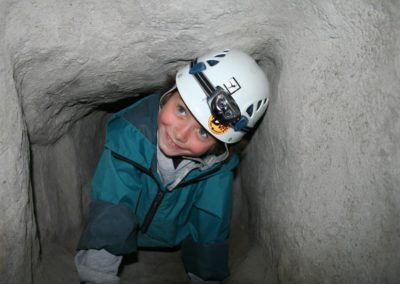 Caving north down